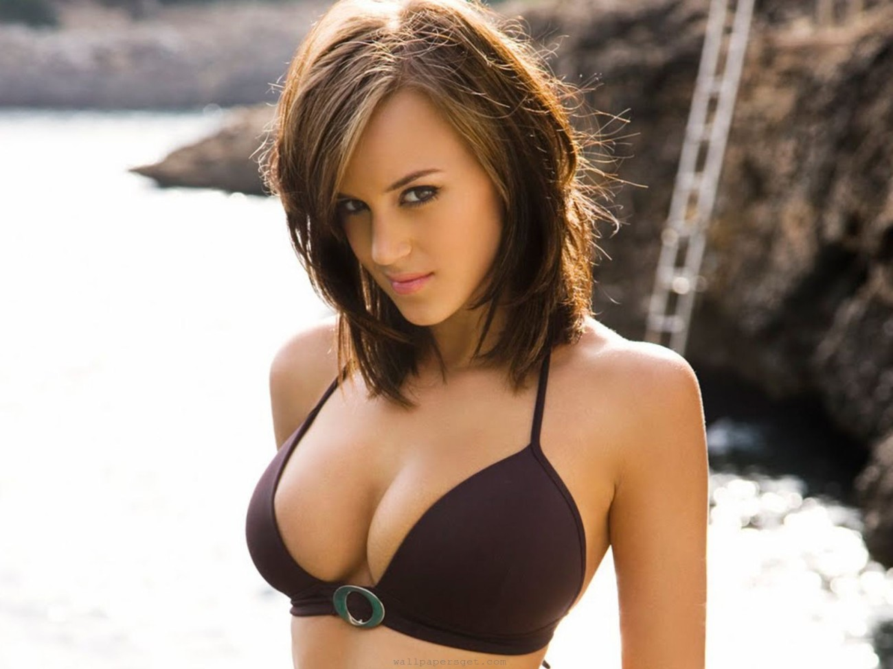 Rosie Jones (2) WallpaperSexy