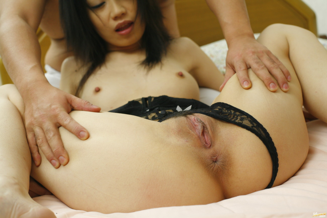 Miki Uehara group-fucked by 2..
